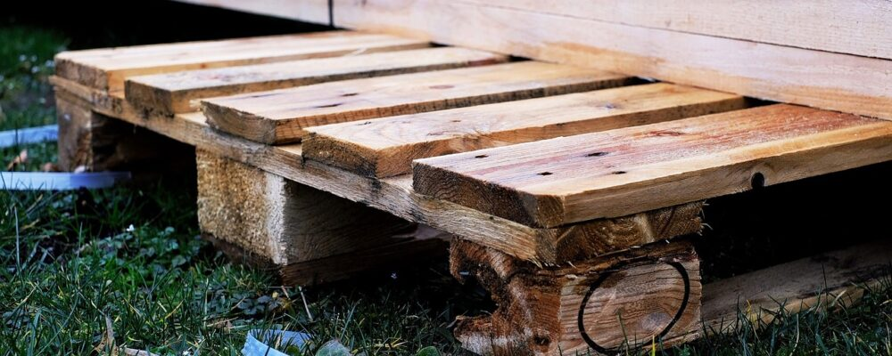 10 Creative Ways to Enhance a Simple Wooden Pallet